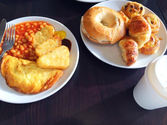 Staybridge Suites London-Stratford City: Breakfast - good selection