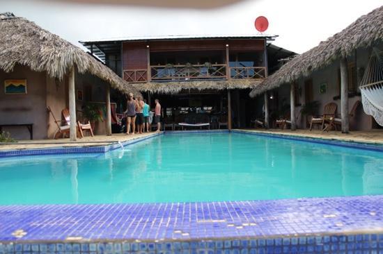 Casa De Olas: infinity pool