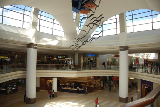 ‪Sunridge Mall‬
