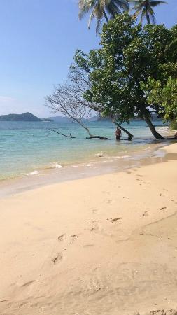 Ao Kao White Sand Beach Resort: Beach
