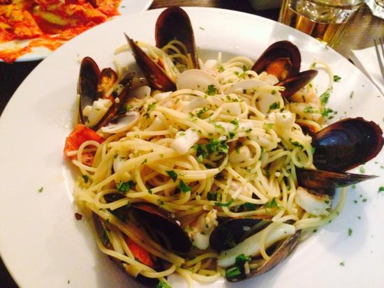 The Higgins Pantry: Great sea food pasta!