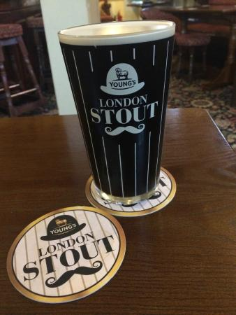 Teddington, UK: A great pint poured by Rae