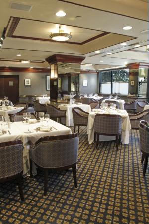 MS Milenium: Restaurante Wall Street