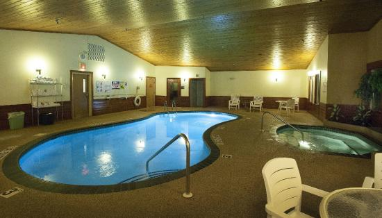 Country Inn of Two Harbors: Pool evening photo