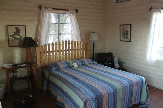29 Palms Inn : lovely bed