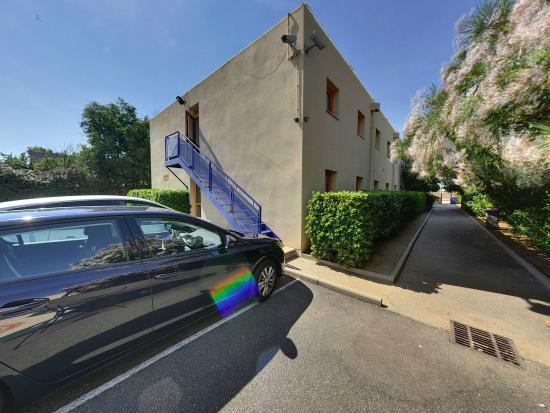 P'tit Dej-Hotel Béziers : parking