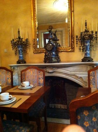 Azalea Hotel: Sala colazione