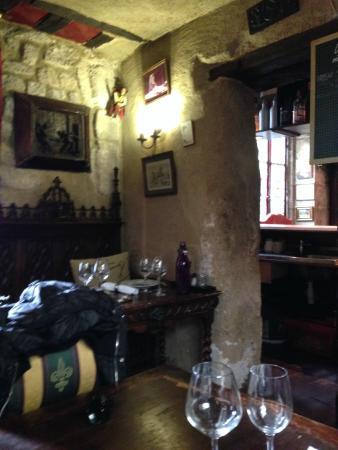 Au Vieux Paris d'Arcole : Foto do salão de baixo