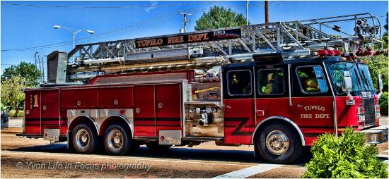 Elvis Presley Center: fire department tupelo