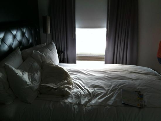 Duane Street Hotel : The tiny queen room