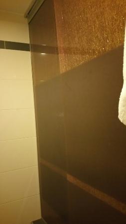 Hotel Prague Star: Porta del bagno