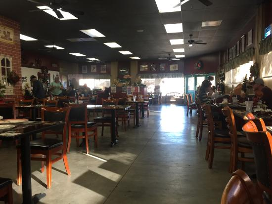 Country Rose Cafe: Some of the nicest people serve you and make you feel welcome