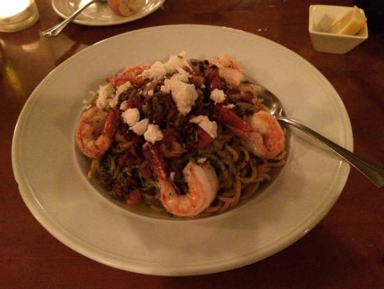 Marzano's Restaurant: Ollivate - prawns and pasta with a DELICIOUS olive-pesto sauce
