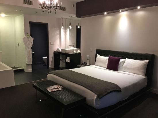 Hotel Metro : Metro Hotel Room 303