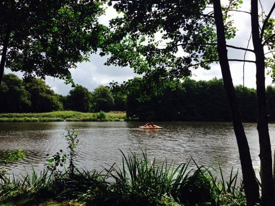 La Garangeoire: boating on the lake