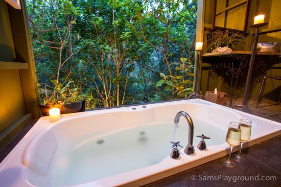 Wairua Lodge - Rainforest River Retreat: Treetops bathhouse - best enjoyed at night with a glass of wine