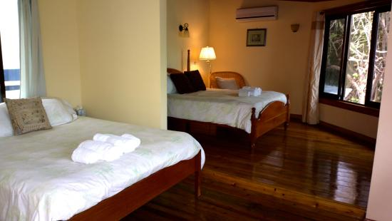 Maya Beach Hotel: Toucan Room