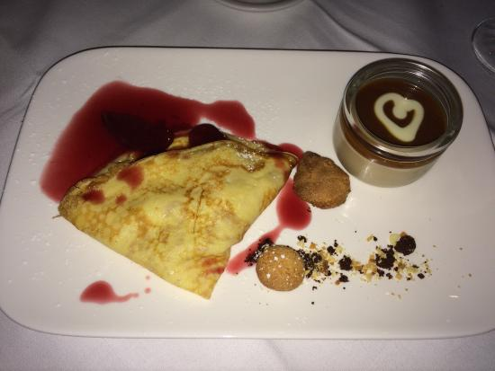Amabile: Pancake with sliced plum and Toffee Cream