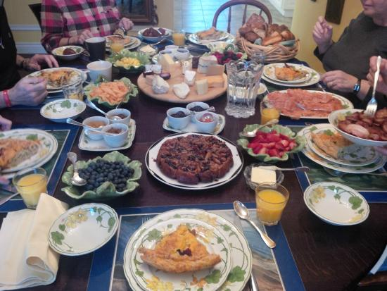 Ranger's Retreat Bed & Breakfast: The OMG moment when the table is set for breakfast, and you realize you can sample everything.