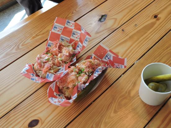 Famous Fat Dave's Food Tours: Lobster roll