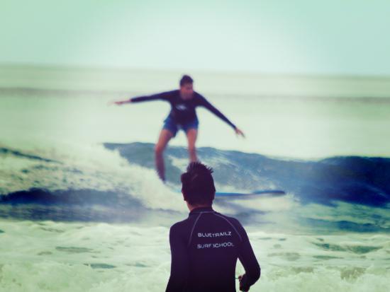 Blue Trailz Hostel & Surf Camp: Surf lesson