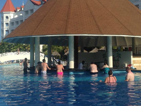Swim Up Bar Picture Of Grand Bahia Principe Jamaica