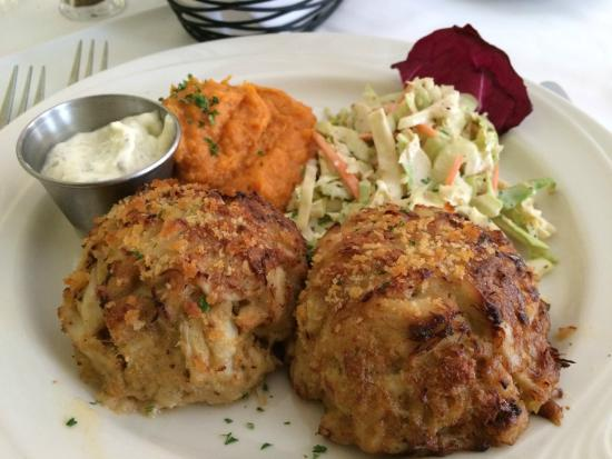 King's Contrivance Restaurant: Crab Cakes