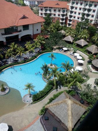 Holiday Inn Resort Batam: Pool View