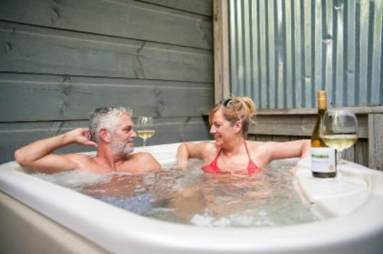 Arbor Cabins at Lake Lure : Private Hot Tub