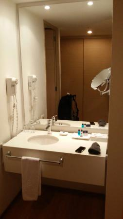 Hotel Estelar Blue: Sink area