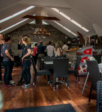 Isla Waiheke, Nueva Zelanda: Bar area