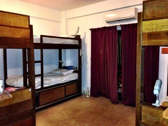 The Siem Reap Hostel: bunk beds in 6-bed mixed dorm room