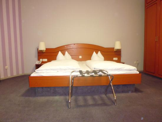 Berliner Hof Hotel : Double Beds