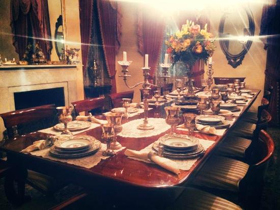 Brandon Hall Plantation: Dining at Monmouth Inn, in Town