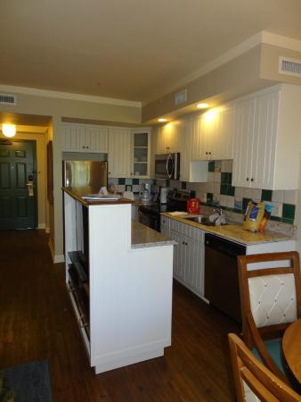 Kitchen in 1 bedroom villa - Picture of Disney\'s Hilton Head Island ...