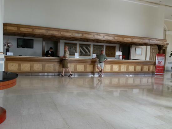 de Rivier Hotel: Reception
