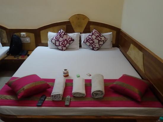 Cottage Ganga Inn: Lit double dans chambre triple