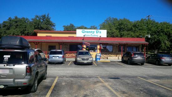 Granny D's: Restaurant Front
