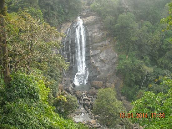 ‪Valara waterfalls‬