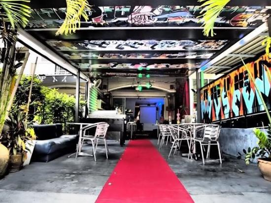 Vinyl Cafe: Rolling out the Red Carpet