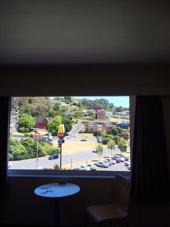 Burnie Central Townhouse Hotel: View of Maccas & street