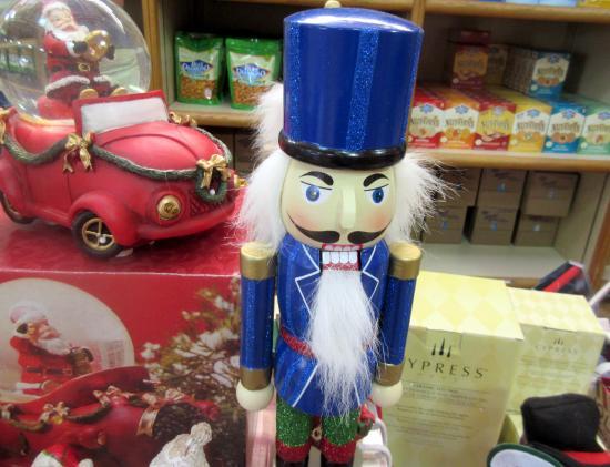 Blue Diamond Almond's Retail Store: Blue Diamond Almond Store (Christmas Holiday Season 2014), Sacramento, Ca