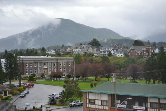 Crest Hotel: View of Prince Rupert town from our room