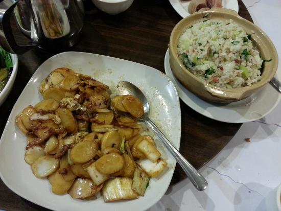 Little Shanghai Restaurant: Stir fry with slices of rice cake and pork