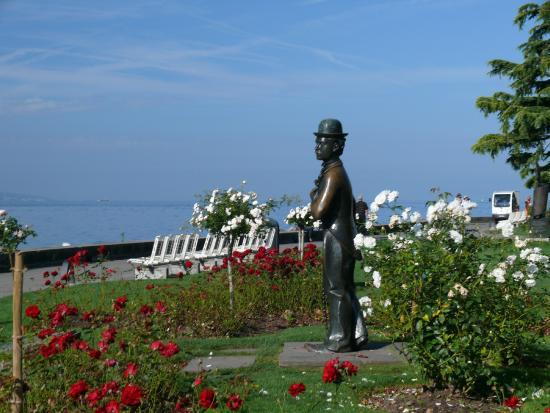 Charlie Chaplin Statue : Памятник Чарли Чаплину