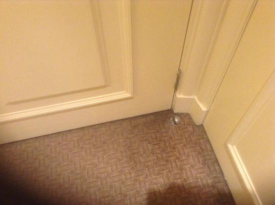Millennium Hotel Glasgow : Dirty carpets