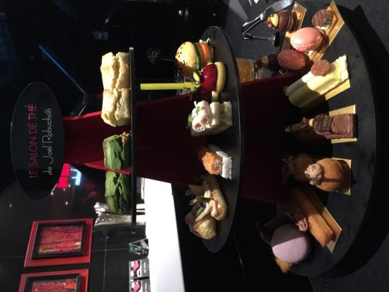 Afternoon tea picture of le salon de the de joel - Salon de joel robuchon ...