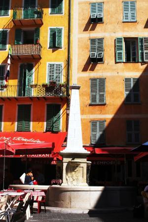 La fouan (fontaine) de la place rossetti