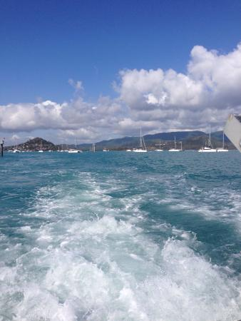 Mantaray Charters: Leaving on the tour