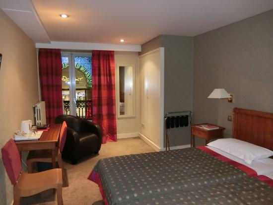 Londres et New York Hotel: 部屋